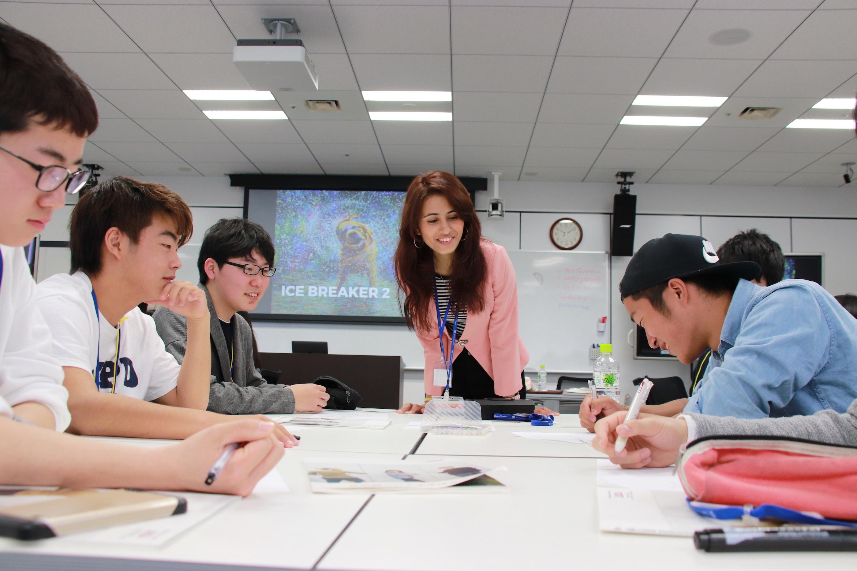 海外生や留学生と対話しながら学びました